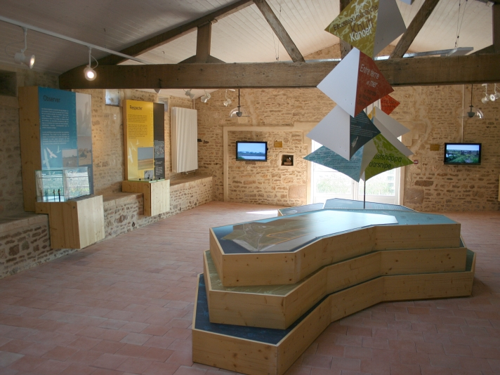 Moëze visitor centre © Ken Hall (click for larger image)